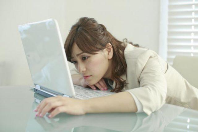 【コールセンター仕事術】激務を乗り切るデスクワークの疲れ軽減のコツ