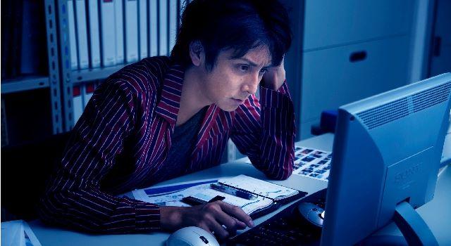 夜勤するなら月収50万円以上!命削って搾取されるくらいなら即、転職すべし!