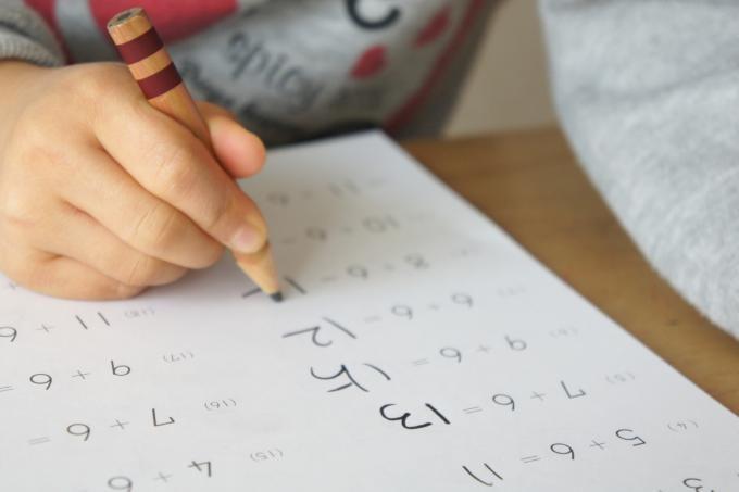 マネーフォワードを使うのは十分なスキルを身につけてから!それまではペンダコができるまで手書きの家計簿で節約脳を鍛えるべし!